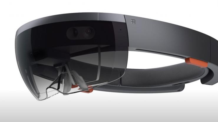 不只是AR,HoloLens或将成为第一款VR/AR二合一产品